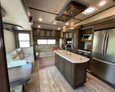 2018 Grand Design SOLITUDE 377MBS/377MBS-R