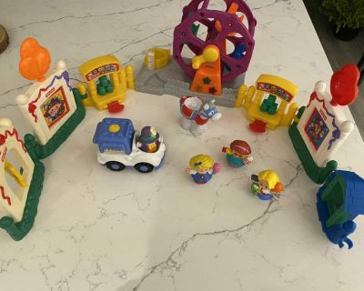 FISHER PRICE LITTLE PEOPLE FAIR