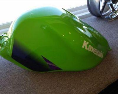 Kawasaki Zx900 Ninja Fuel Tank , (fits 98-2003)