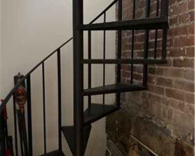 NorthEnd 2 bedroom duplex available 9/1