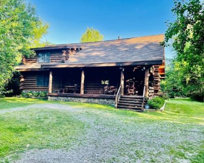Bud's Paradise- A beautiful cabin in the woods!!! - Canton