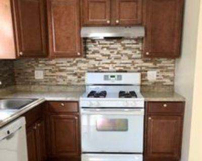 9450 Fairgreen Ln, Philadelphia, PA 19114 2 Bedroom Condo