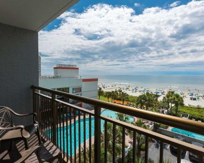Fully Renovated Oceanfront Suite Pools, Lazy River, and Hot Tub Starbucks! - Myrtle Beach