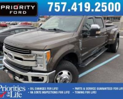 2017 Ford Super Duty F-350 Lariat Crew Cab 8' Bed 4WD DRW