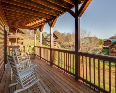Heavenly Escape: Crossing Resort Cabin with HOA Outdoor Swimming Pool Hot Tub, A - Sevierville