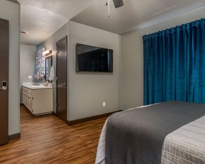 Charming Townhome - Suite 2 - Travel Nurse Ready - Amarillo