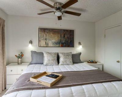 Work Remotely? Pet Friendly. Enjoy Private Entrances, private patio & open your windows! Suite 146 - Scottsdale
