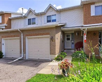 3 BEDROOM TOWNHOUSE FOR SALE IN NEWMARKET! Please contact agents Mike & Dianna Cartwright for more details cartwright@mainstreetrealty.ca (MLS# N5333165) By MAIN STREET REALTY