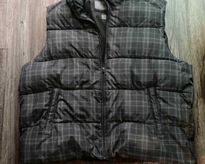 Old Navy Plaid Puffy vest