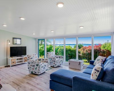 Fully Remodeled Dog-Friendly Home w/Free WiFi, Gas Grill, Ocean Views, Fireplace - Birch Bay