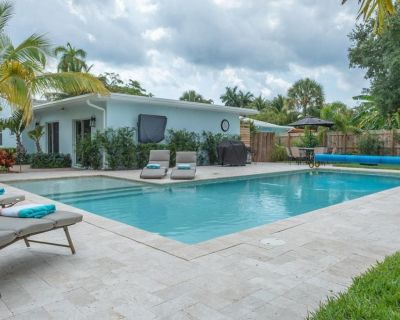 Charming 2/2 Beach House w/Saltwater Pool, Bring your Boat! - South Palm Park Neighborhood Association