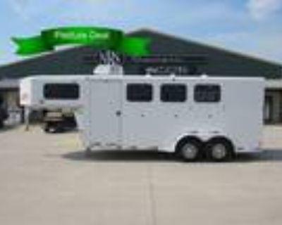2006 Titan 3 Horse Gooseneck Trailer 3 horses