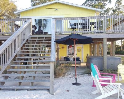 Mobile Bayside Cottage - With picture perfect summer sunsets on the pier! - Fort Morgan