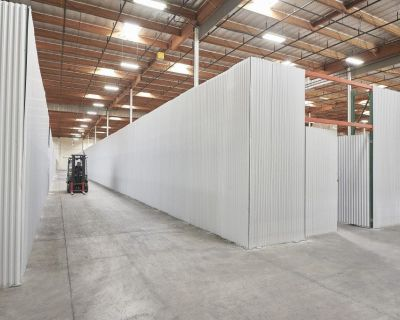 300-60k SF Flexible Office/Warehouse Space-Cubework PASADENA, TX