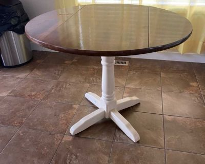 Table with folding sides