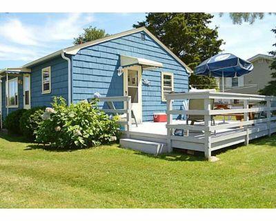 Summer's Calling from this Charming Cottage Near Salt Pond! - Narragansett