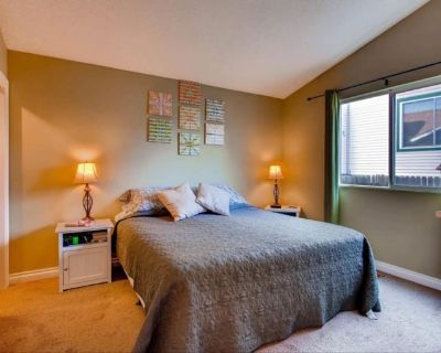 Private room with shared bathroom - Colorado Springs , CO 80918