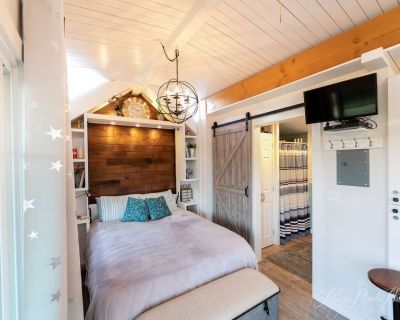 A Cozy Tiny Home in the middle of Wine Country - Templeton