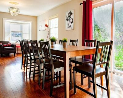 Minutes from Del Ray & Old Town // Entire 3-BR Townhome - Potomac West