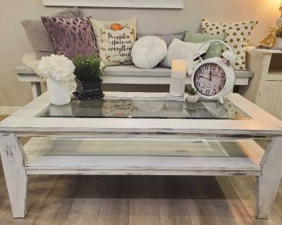 Rustic coffee table in EUC from a smoke free home