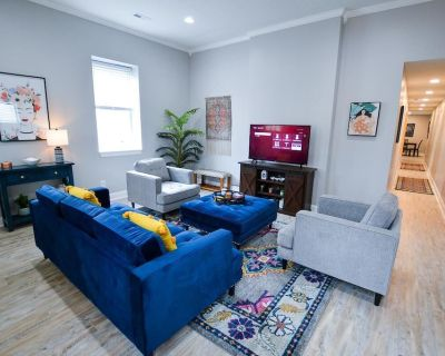 The Liberty House in NULU - 3 bedrooms, sleeps 6! Fully renovated and modern design! - Phoenix Hill