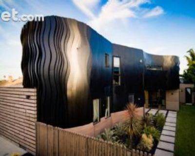 Morningside Way Los Angeles, CA 90291 5 Bedroom House Rental