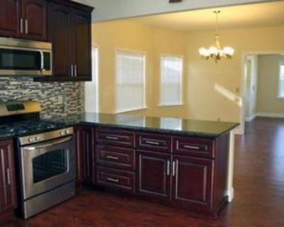 873 Apgar St, Oakland, CA 94608 3 Bedroom Apartment