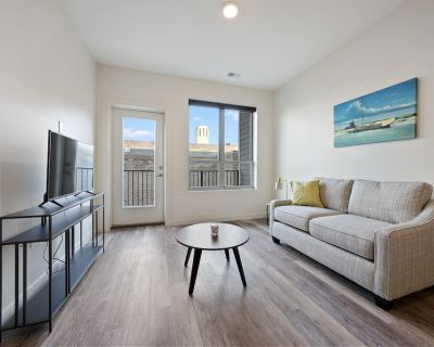 Spacious 1 Bed/ 1 Bath Condo in the Heart of Fourth Street #405 - Downtown Louisville