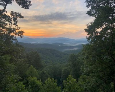 Spectacular all-season long range views from chalet-style home with 2 Car Garage - Dahlonega