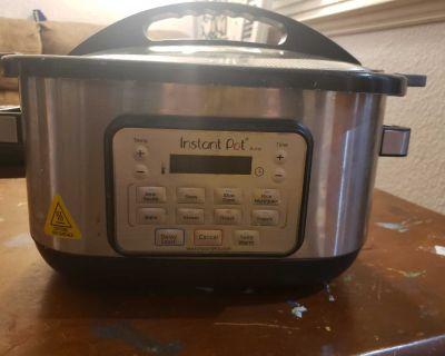 Instant Pot Brand CROCK pot