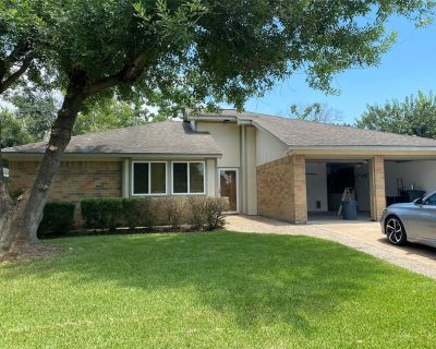 16011 Pipers View Drive, Houston, TX 77598