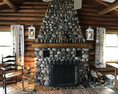 Stay in a classic American log cabin on Lake Superior s North Shore - Two Harbors