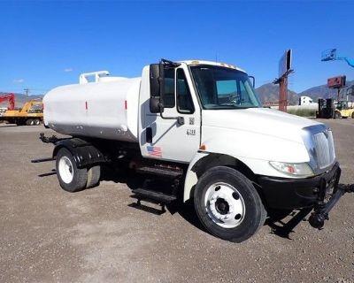 2007 INTERNATIONAL DURASTAR 4200 Water Trucks Medium Duty