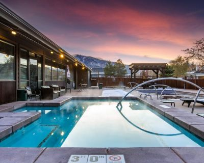 SANITIZED-Beautifully Renovated Studio w/full kitchen, king bed, and patio-HOT T - North Park City