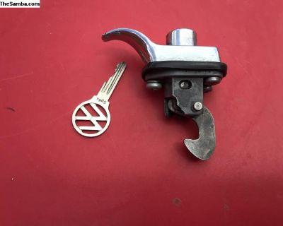 Engine lid lock w/key (SU code)