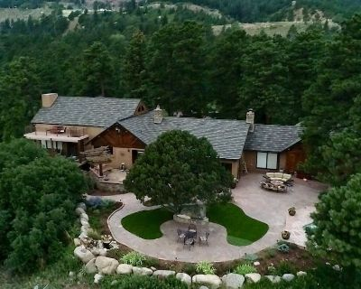 Historical Resort Home located on 8 acres above the city of Colorado Springs - Southwest Colorado Springs