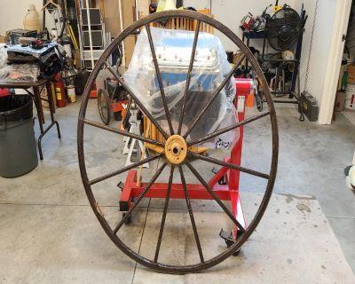 Wagon/Buggy Wooden Wheel Old Fashion