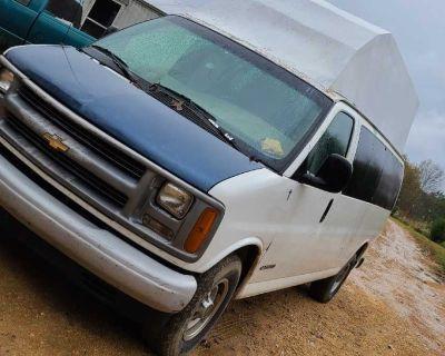 2001 Chevrolet express cargo 3500 (camper convert)