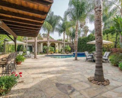 Indoor/Outdoor Event Space for Wellness Retreats, Photo and VideoShoots, Tarzana, CA