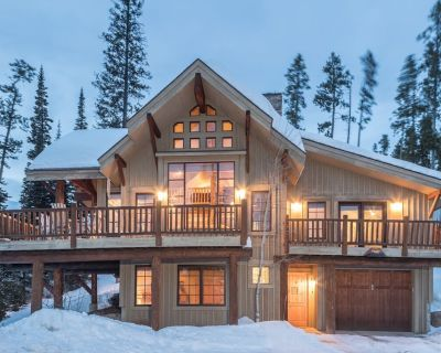Charming, Ski Accessible Home with Private Hot Tub and Great Views - Big Sky