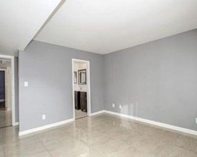 S Hacienda Dr, Tempe, AZ 85281 3 Bedroom Condo