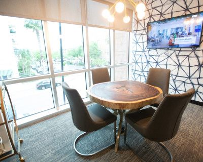 Meeting Room for 4 with Great View and Natural Light, Orlando, FL