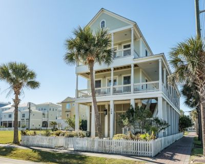 Bright Gulf view home with private gas grill, WiFi, and private beach access! - Beachtown