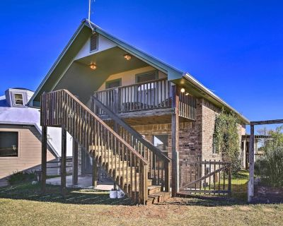 NEW! Cozy Cottage Close to Hill Country Vineyards! - Fredericksburg