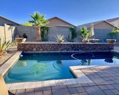 3 bedroom + den comfortable rancher w/heated pool in Johnson Ranch - San Tan Valley