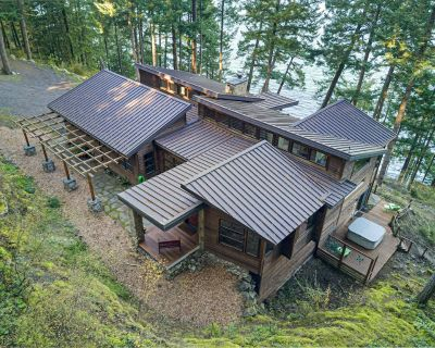 Newly Listed! Incredible Waterfront Estate... Hot Tub, Deck, Media Room (ES) - Friday Harbor