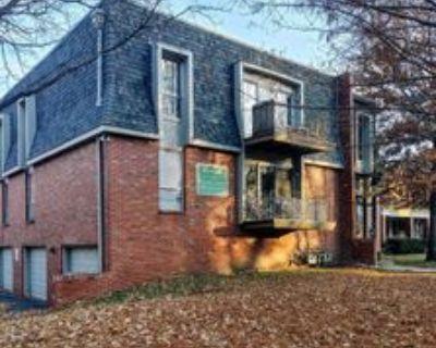 3927 Clark Ave #4, Kansas City, MO 64111 2 Bedroom Apartment