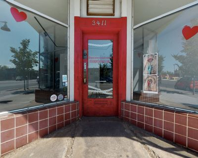 Nob Hill Retail Space