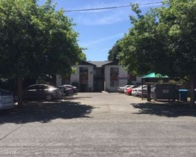 226 Cedar St, Chico, CA 95928 4 Bedroom Apartment