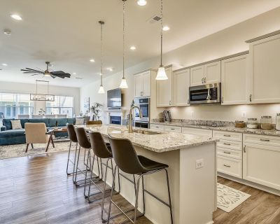 Brand New! 1.5 Miles to the Sands of Bethany Beach - Sleeps 12 - Frankford